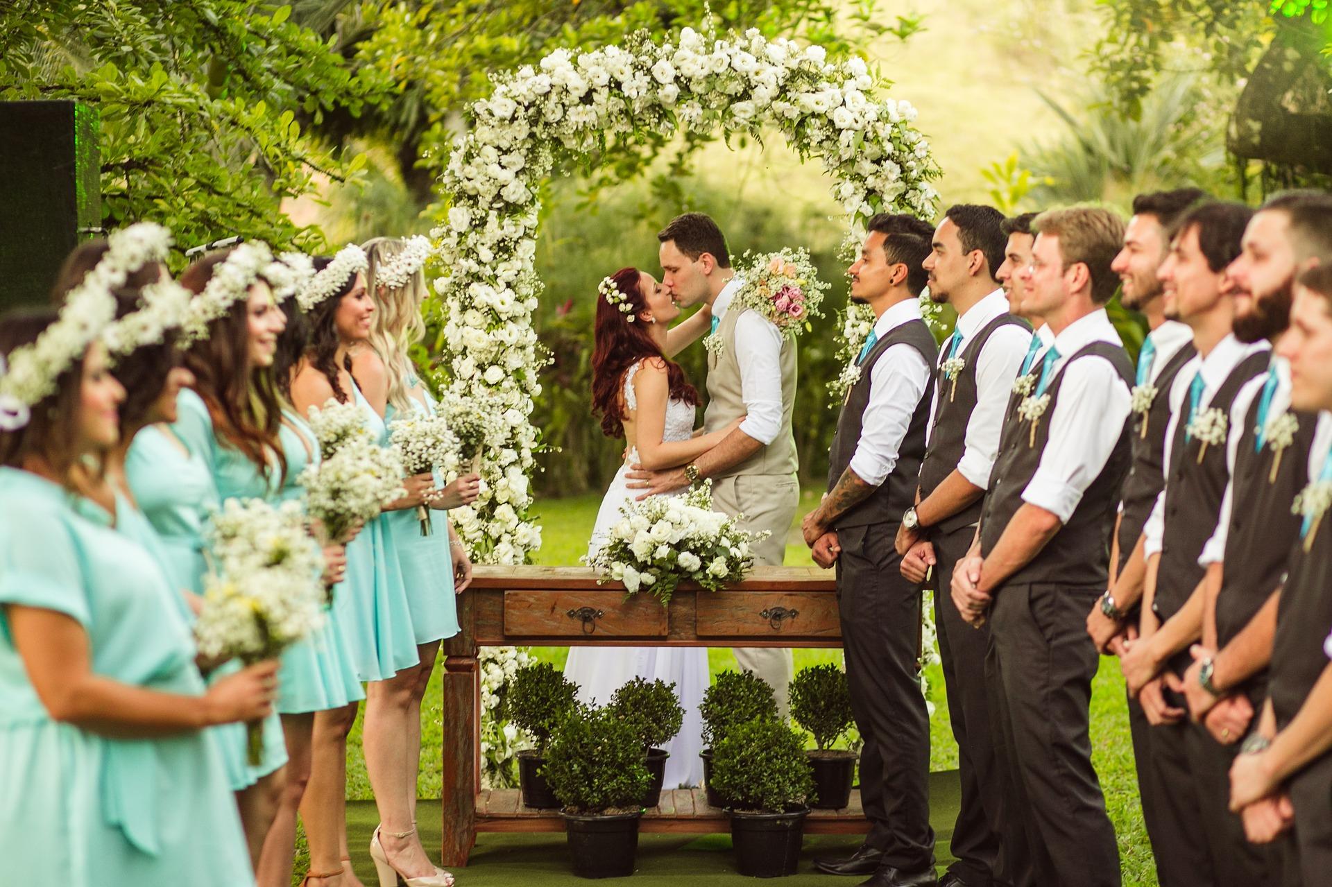 Confira neste artigo os critérios para escolher os padrinhos de casamento!